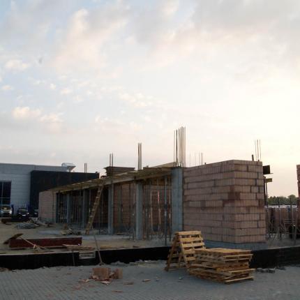Budowa salonu samochodowego w Krakowie