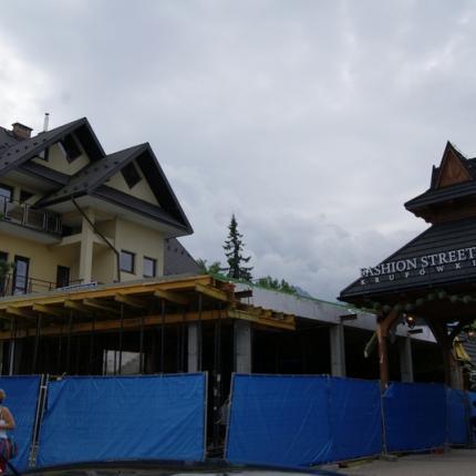 Budowa obiektu handlowego Krupówki