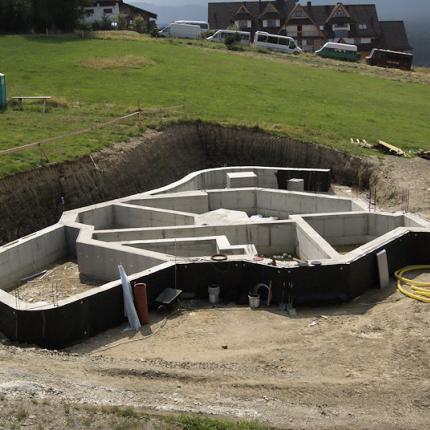 Budowa pensjonatu w Murzasichlu - szalunkek małogabarytowy Tekko
