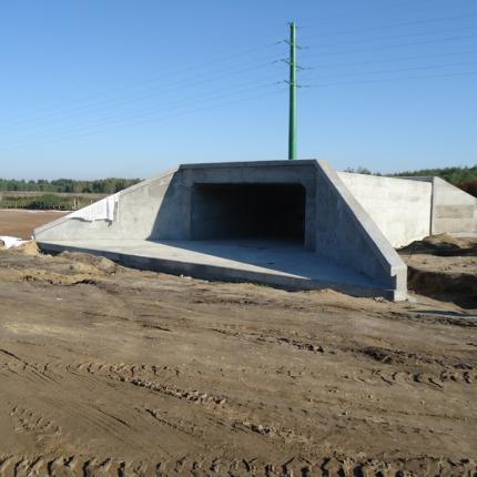 Budowa żelbetowego przepustu skrzynkowego - Sieradz
