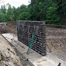 Construction of a retaining wall in Suche
